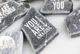 Personalisierung: Lasergravur auf Steinen