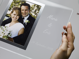Mit Lasergravur personalisierter Glas-Fotorahmen