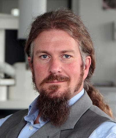 Dr. Philipp Stolper